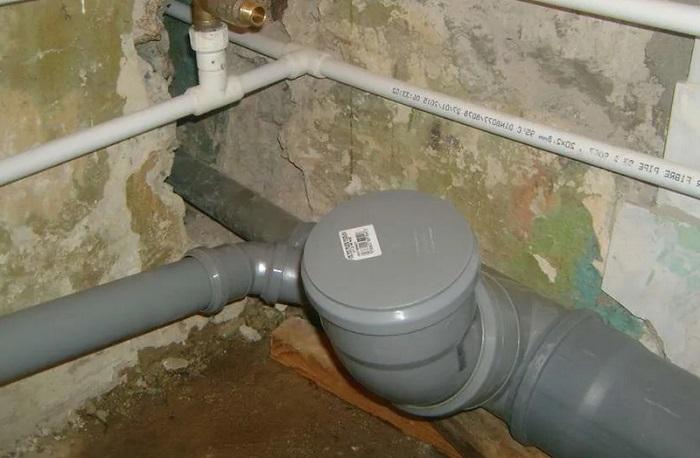 Монтаж труб канализации в Москве