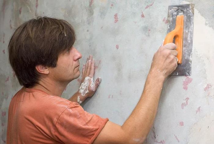 оштукатуривание стен в санузле