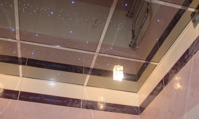 Отделка потолка в санузле