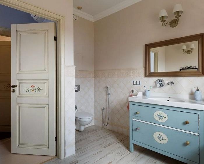 Стиль прованс в ванной двери