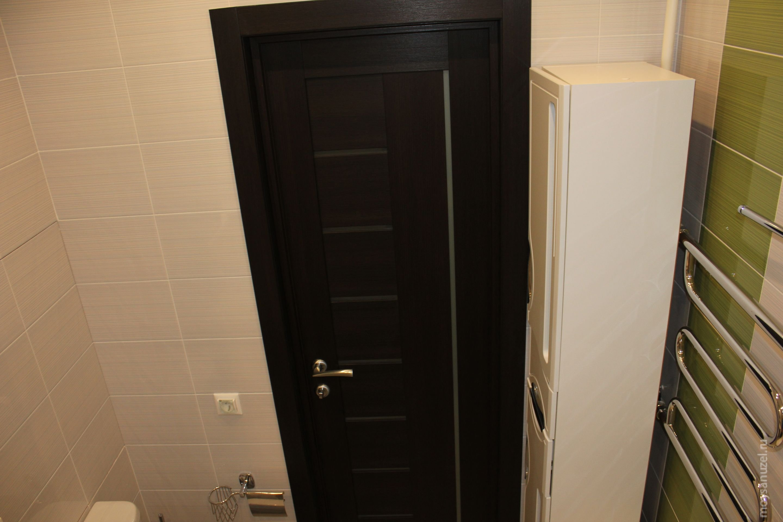 входная дверь в ванную комнату