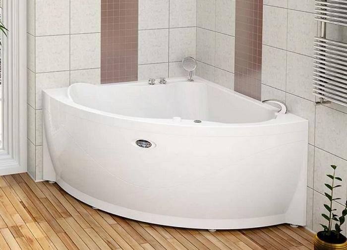 ванна в ванной комнате
