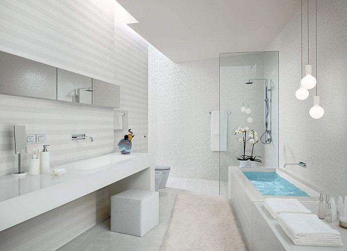 ванная в белом