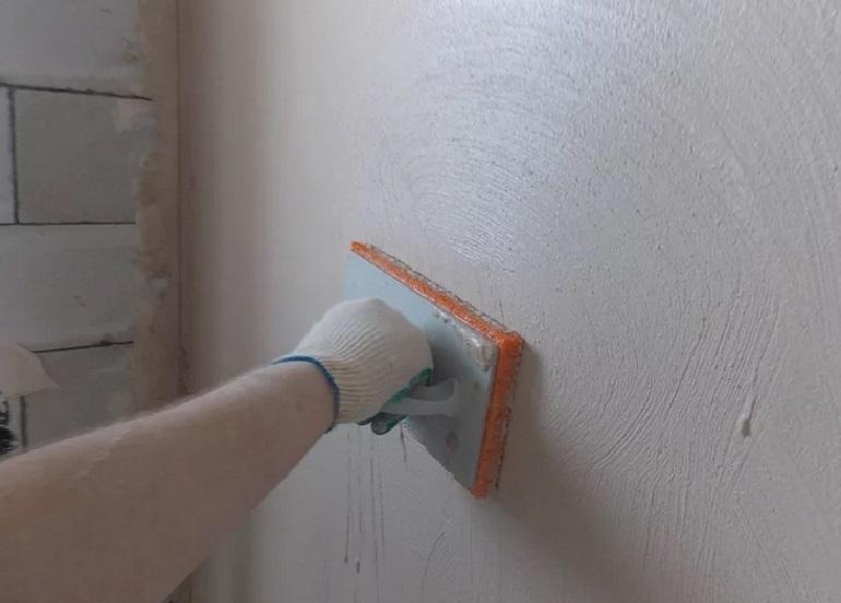 Выравнивание стен в санузле в Москве